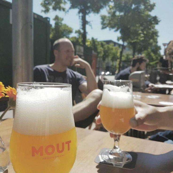 Gezellig en lekker bier bij #MOUT in #Groningen afgelopen donderdag.  #friends #craftbeer #hemelvaart #summer #speciaalbier #gezellig #zon
