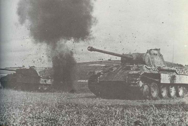 Panther-Panzer unter Beschuß Two Panther tank Ausf. A under fire on the eastern…