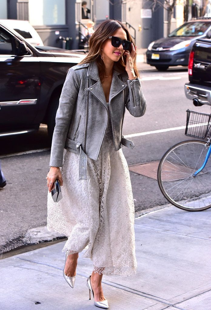 Jessica Alba soaked up NYC's warm weather at the launch of The Honest Company's new diaper collection in what will undoubtedly be your go to look for Spring.
