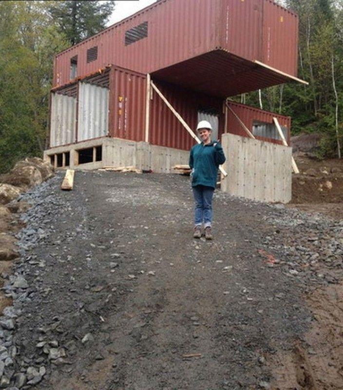 Diese geniale Frau baut sich ein Haus aus alten Containern. Wenn du es von innen siehst … WOW!