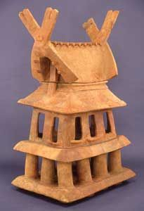 Haniwa house from Imashirozuka Tomb, Takatsuki city, Osaka prefecture. Haniwa / 埴輪 are terracotta clay figures which were made for ritual use and buried with the dead as funerary objects during the Kofun period.
