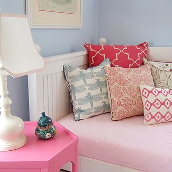 Must start making pillows like this!Blue Walls, Girls Bedrooms, Kids Room, Girls Room, Colors Combinations, Pillows Pattern, Bedrooms Decor Ideas, Girl Rooms, Assorted Bedrooms Pillows