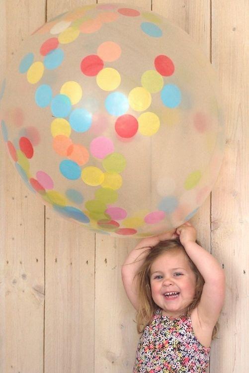#Confetti ballon XXL 90cm from www.kidsdinge.com www.facebook.com/pages/kidsdingecom-Origineel-speelgoed-hebbedingen-voor-hippe-kids/160122710686387?sk=wall http://instagram.com/kidsdinge #Kidsdinge #Toys #Speelgoed