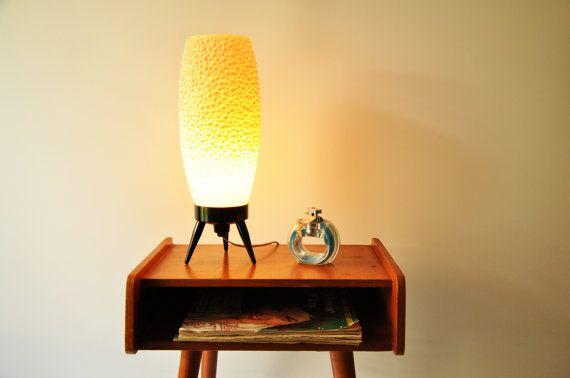Danish Modern Salmon Pink Beehive Tripod Table Lamp - Bubble Lamp - Midcentury Modern Bedside Lamp