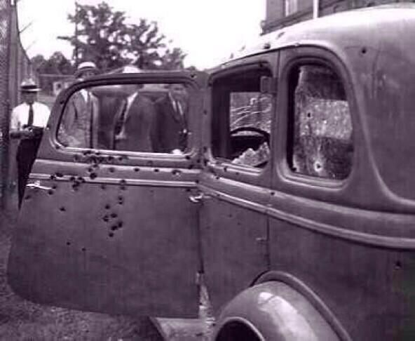 Bonnie and Clyde's car after they were killed, 1934. pic.twitter.com/ZYAo2gpATe