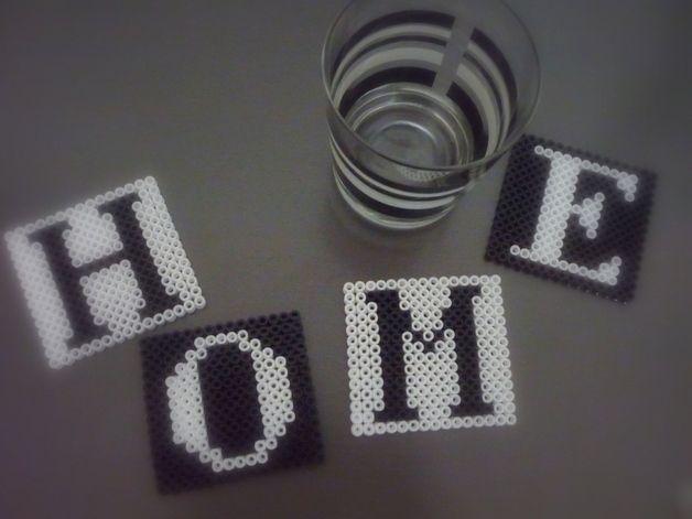 Untersetzer 4er Set HOME Black&White Bügelperlen - ein Designerstück von…