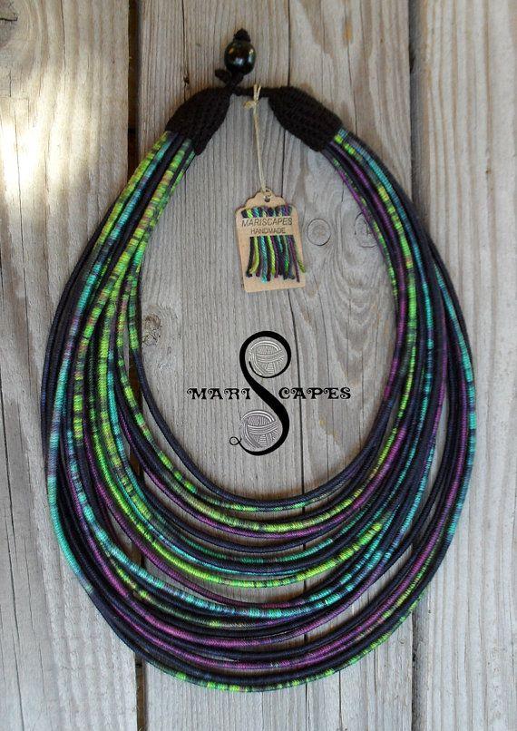 Nacht oceaan garen-verpakt ketting / tribal / hippie door MARISCAPES