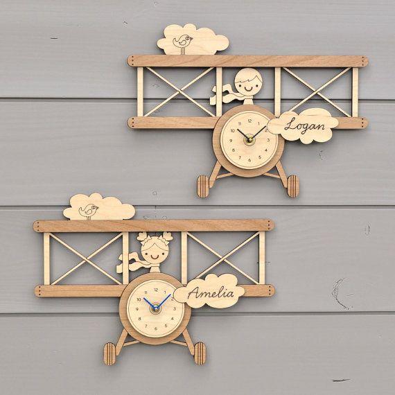 Aeroplano di legno orologio nome personalizzato Baby Nursery