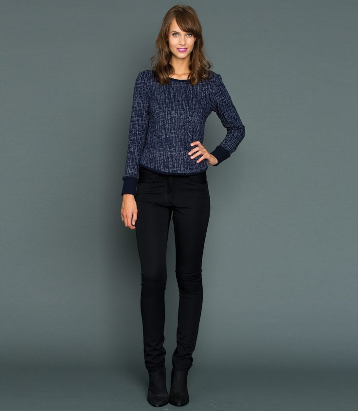 The ultimate stretch denim jean, made in a super stretch cotton! Great features include a flattering slim leg with a mid-rise waist, button & fly closure with twin front pockets to the front and twin patch pockets to the rear. Pair with a cozy sweater and ankle boots or dress them up with a top and stiletto heel.