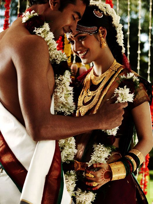 20 Gorgeous Wedding Photographs from Tanishq Wedding Advertisement Gallery. Read full article: http://webneel.com/webneel/blog/20-gorgeous-wedding-photographs-tanishq-wedding-advertisement-gallery | more http://webneel.com/advertisements | Follow us www.pinterest.com/webneel