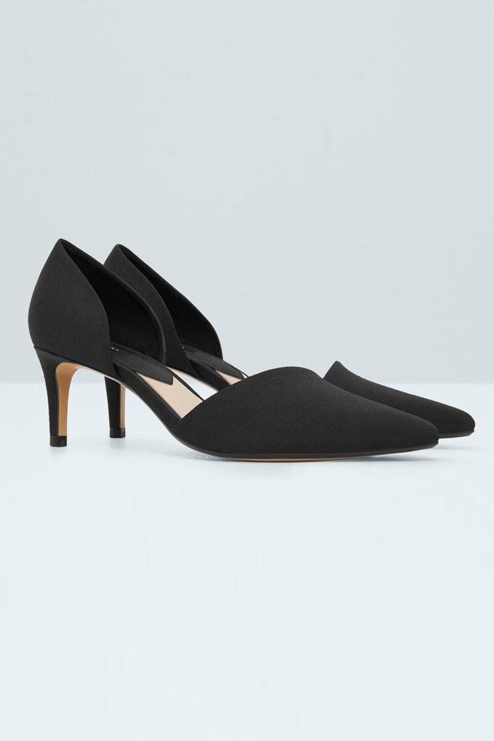Zapatos cómodos para invitadas de boda  http://stylelovely.com/galeria/zapatos-comodos-invitadas-boda/