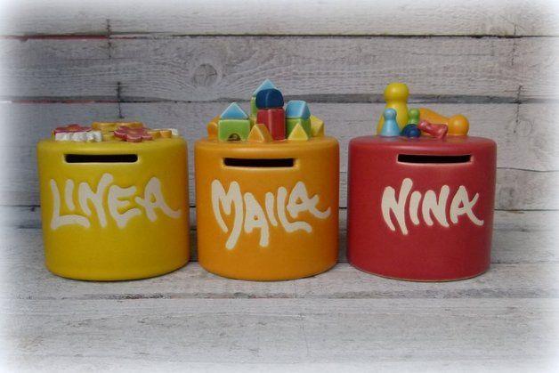 Für Kinder - Spardose mit Namen / Breite Form - ein Designerstück von Farbton-Keramik bei DaWanda