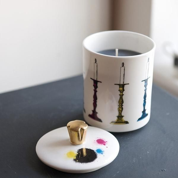 'Candlestick' Candle - Scented with Vanilla Coconut. A unique gift for your mum with matching mug also available. Detailed with a 22kt gold hand gilt handle (lid). Handmade in Stoke-on-Trent, England. Black Gift Box Included, ready to present this Mother's Day. #Candle #Candlestick #CandleHolder #MadeInStokeOnTrent #MadeInEngland #Gold #22ktGold #FineBoneChina #Gift ##GiftInspiration #Home #Interior