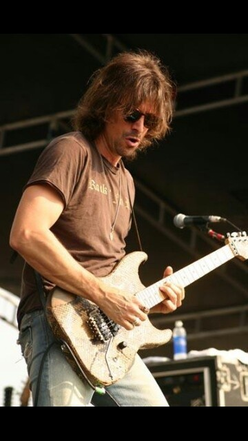Warren DeMartini.