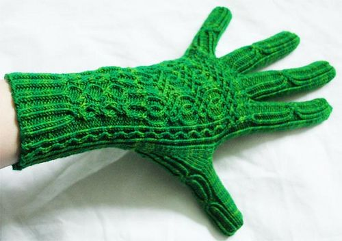 Ravelry: Entangled Stitches pattern by Julia Mueller