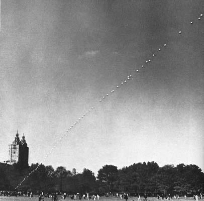 Hans Haacke, Sky Line, 1967