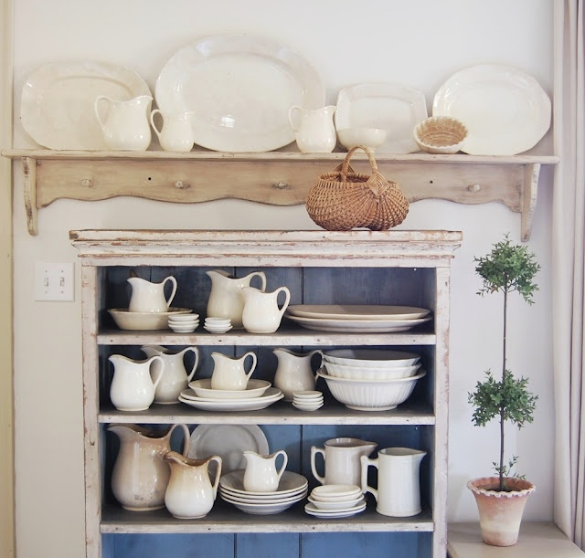 Shelf,topiary,ironstone.....all lovely!