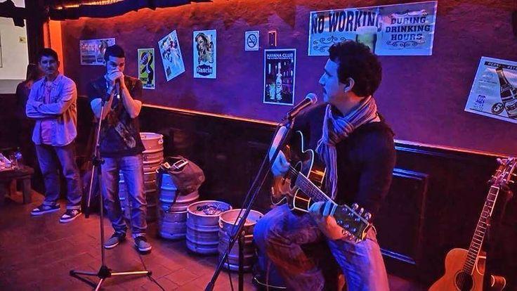 Hoy nos vemos en #EspacioGutenberg en Terrada y Gutenberg #BuenosAires #Argentina #Musica #night #music #musicnight #musician #openmic #guitar #playing #guitarplayer #singer #singersongwriter #show #pic #picoftheday #picofthenight #art #artoftheday #artist