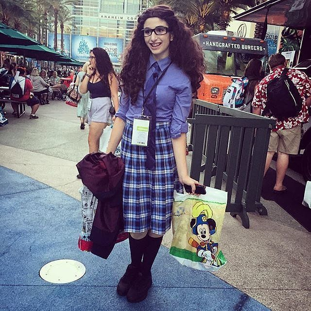 This Princess Mia Thermopolis Halloween costume is fit for a queen.