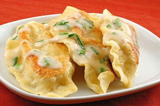 potato cheese perogies: Chee Pierogieyum, Chee Pierogiomg, Fun Recipes, Sour Cream, Cream Garlicch, Potatoch Pierogi, Savory Recipes, Homemade Potatoes, Homemade Potatoch