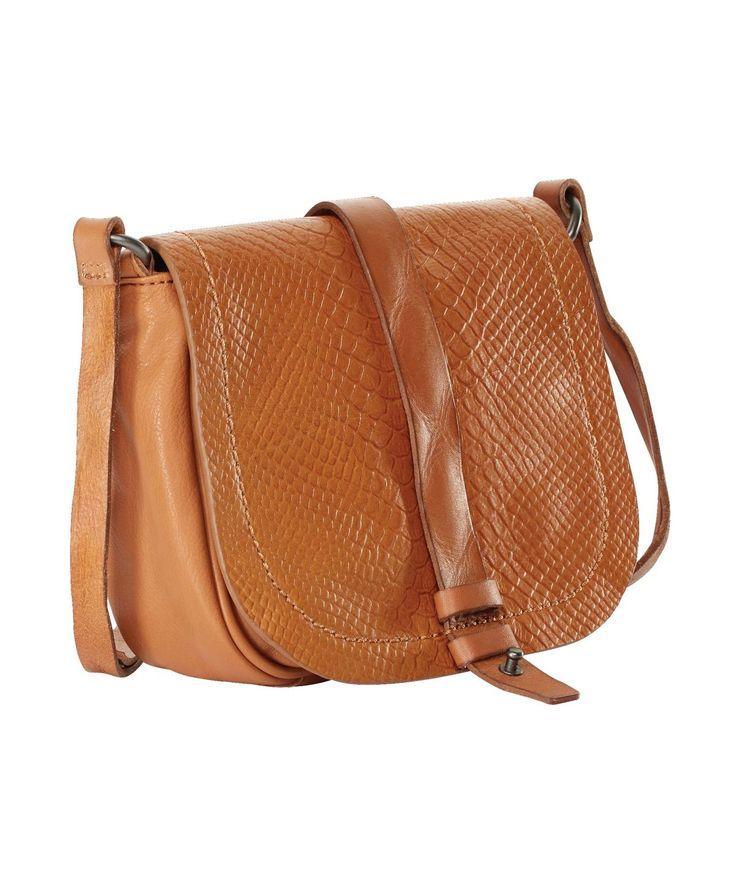 kleine ledertasche f r den l ssigen crossbody look von liebeskind liebeskind tasche brown. Black Bedroom Furniture Sets. Home Design Ideas