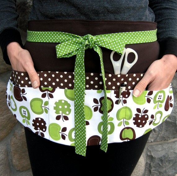 Cute apron with double pockets