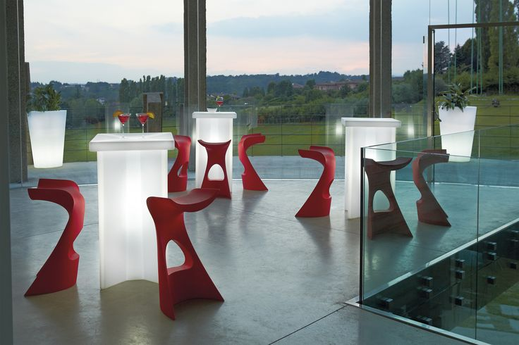 X2 table, design Slide Studio