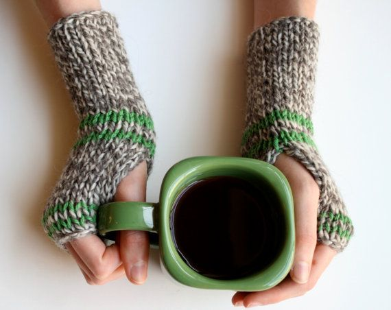 Love, love, LOVE these lil wrist warmers!