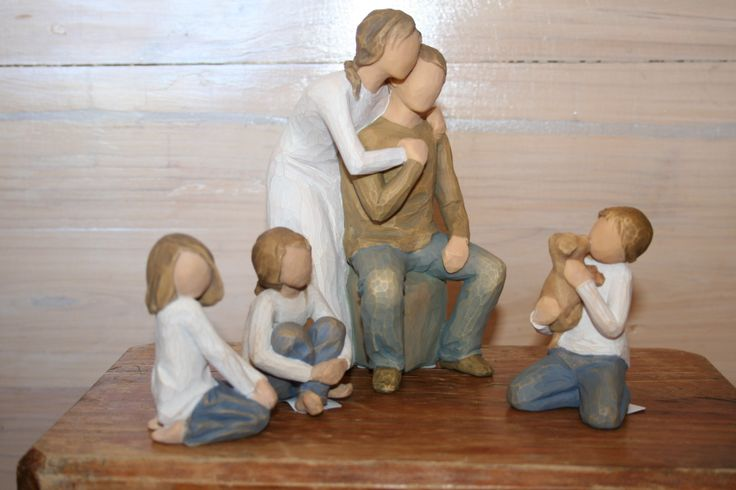 Willow Tree families are the latest craze.  Add  Willow Tree children to make up your own family.  Prices start from A$24.99.  Great gifts. Willow Tree statues are SAFE to POST. from Toodle-Doo-Settler-Bears-Australia   SHIP WORLDWIDE Email: mailto:toodledoo@bigpond.com www.settlerbearsaustralia.com.au,  Mobile: 0433 253 800  Toodle Doo - the MAGIC place to shop!