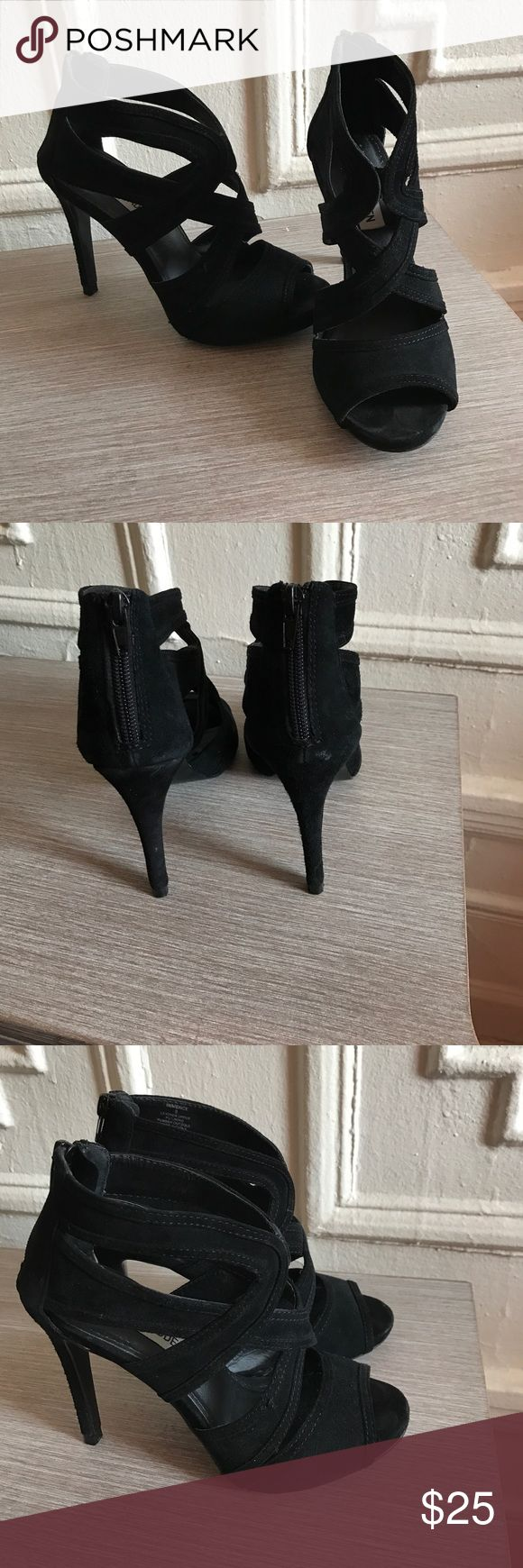 Steven madden black heels zip in back Super comfortable black heels in great shape! True to size! Would not recommend for any ladies or gents that wear a 5.5 Steve Madden Shoes Heels