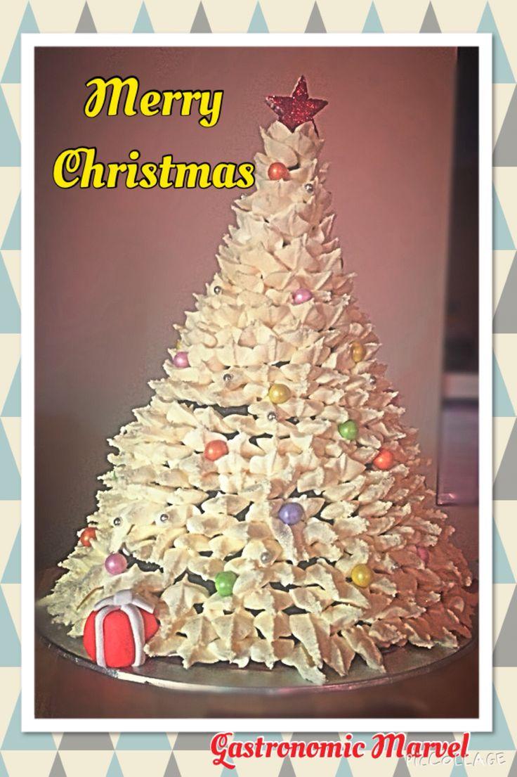 Christmas cake centrepiece