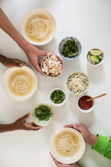 Sopa Vietnamita con Fideos (con muchas guarniciones)   ChopChop