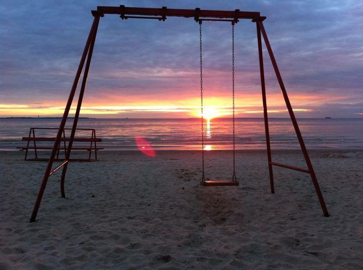 #Pirita on takuuvarma kesäkohde, jossa 2 km pitkä hiekkaranta suorastaan pakottaa palvomaan aurinkoa .