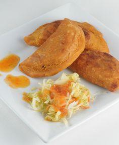 Delights from El Salvador- Pastelitos, Pupusas, Crutido & Salsa Recipes http://kitchenconundrum.com/2011/03/delights-from-el-salvador-pastelitos-pupusas-crutido-salsa-recipes/