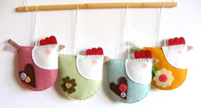 Little felt chickens - no pattern or tutorial but too cute not to pin!