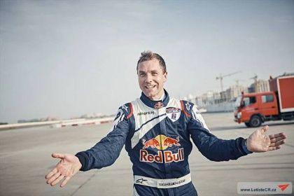 Martin Šonka jako první Čech vyhrál závod Master Class světového šampionátu Red Bull Air Race | Všeobecné letectví | Aktuality