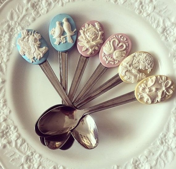 Cameo inspired cutlery set made of polymer clay by Bitstopieces
