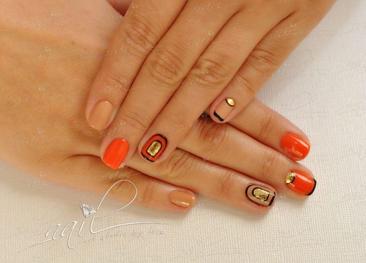 nails manicure nude orange gold black
