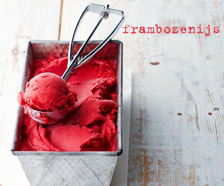 Niets gaat boven zelfgedraaid ijs! Met goede basisingrediënten maak je verrukkelijk frambozenijs.