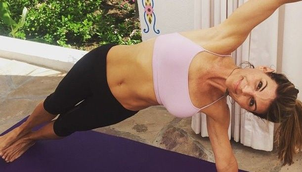 Lori Loughlin Shows Off Amazing Abs at 50 | Getting Fit ...