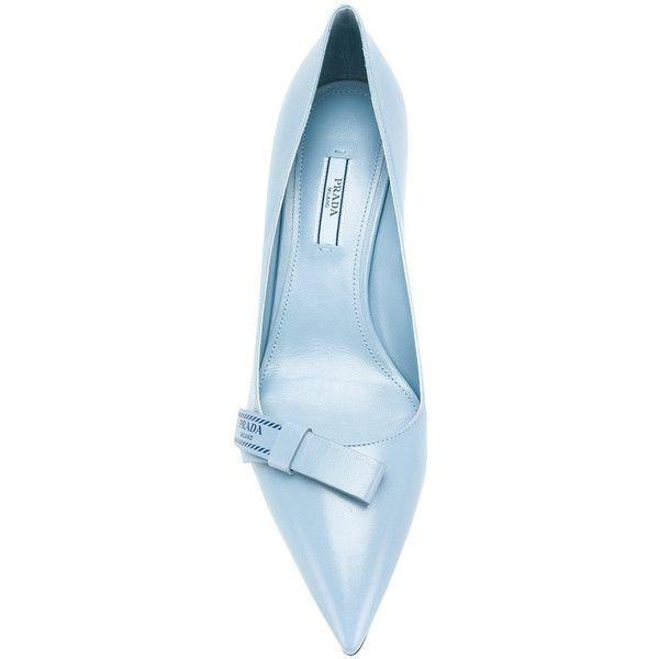 Kitten heel shoes, Kitten heel pumps