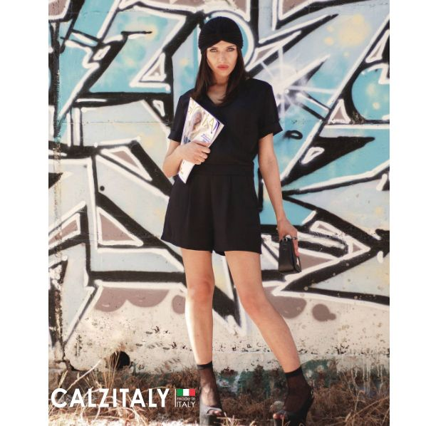 Street style Weekend   Do you like socks but don't you know how to style them? Read our last articles from our Calzitaly Style Week http://calzitalyuk.blogspot.it   #Calzitaly #CalzitalyStyleWeek #Fashion #Trends #Trends2017#SummerOutfit #Outfit #Calze #Socks #Woman #WomanFashion#ManFashion #Summer2017 #FashionBlog #Blog