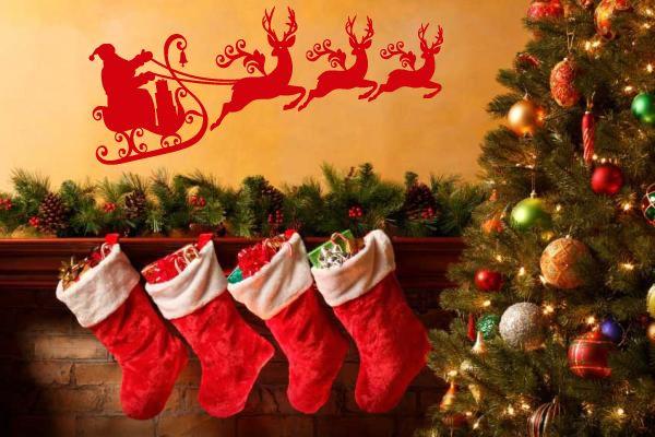 Πάντα οι γιορτές κρύβουν μια μαγεία... Χρόνια Πολλά και Καλή χρονιά με υγεία, αγάπη, χαμόγελο και δύναμη. Να είναι γεμάτη κάθε σας στιγμή και κάθε στόχος σας για το 2014 να επιτυγχάνεται!