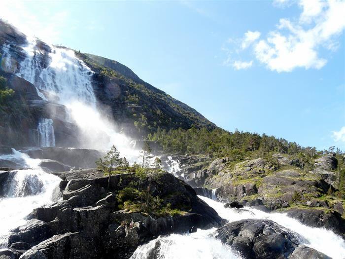 Cachoeiras Mais Bonitas do Mundo  Langfossen, Noruega