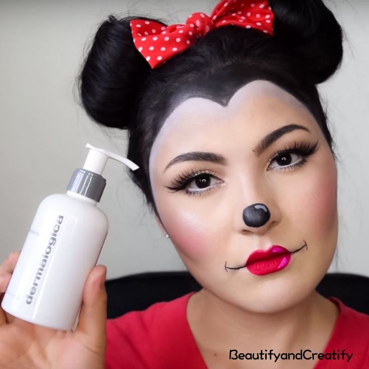Preen.Me VIP Delia puts her gifted Dermalogica® #PreCleanse Oil-Busting Emulsifyer to the test this Halloween. Click through to see her in action.