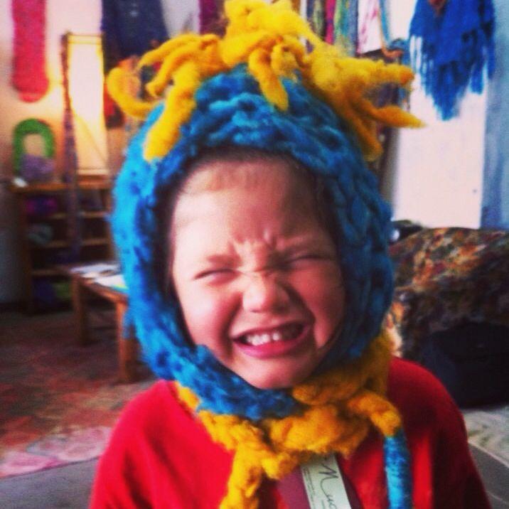 Gorro niño con cresta y bufanda lana oveja