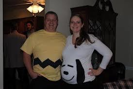 Snoopy e Charlie Brown  http://www.lagravidanza.net/costumi-di-carnevale-in-coppia.html/snoopy-e-charlie-brown-carnevale