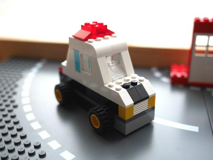 レゴ パトカーの作り方 オリジナル クラシック10698だけで作ったよ