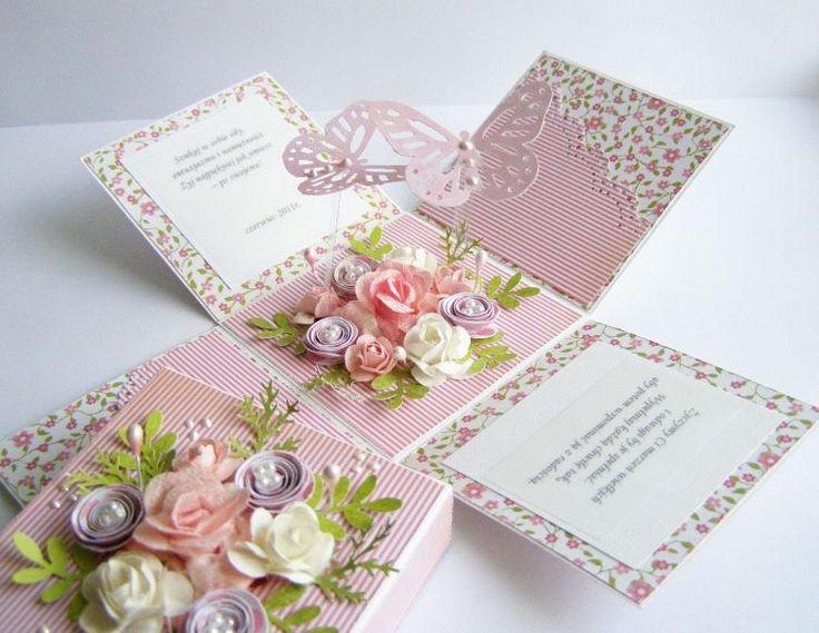 Pudełeczko z niespodzianką na imieniny....:)      Papiery -   Cudowne Lata   z GP! kocham różowy ........ :)  Dziękuję za odwiedziny i miłe ...