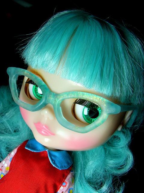 blythe, love her glasses